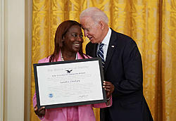 Click image for larger version.  Name:biden still a perv.jpg Views:3 Size:43.7 KB ID:90013